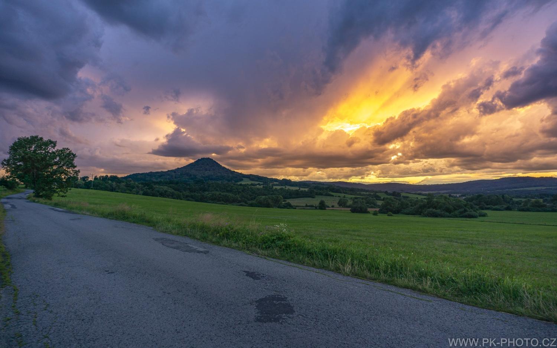 Ronov krátce po západu slunce