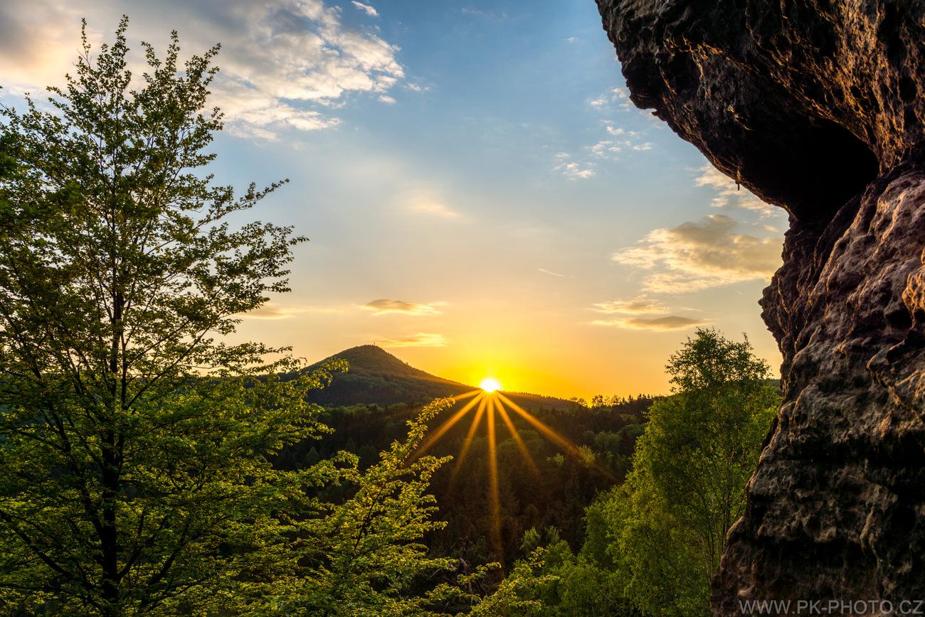 Jarní západ slunce