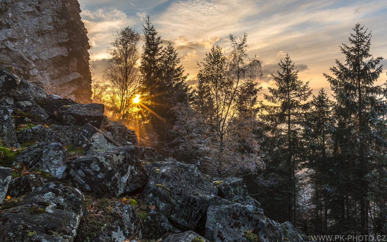 paprsky zapadajícího slunce