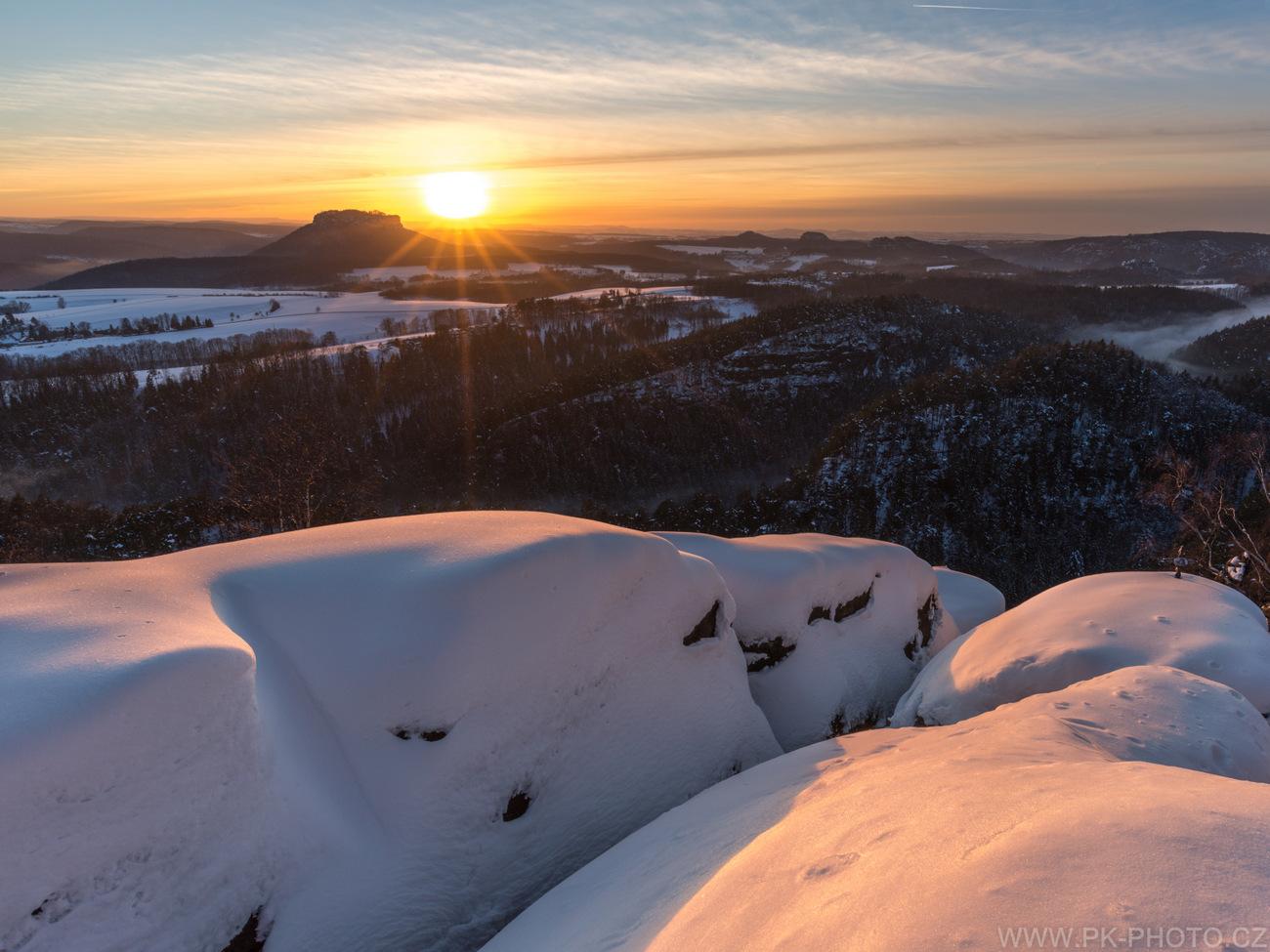 mrazivý západ  slunce
