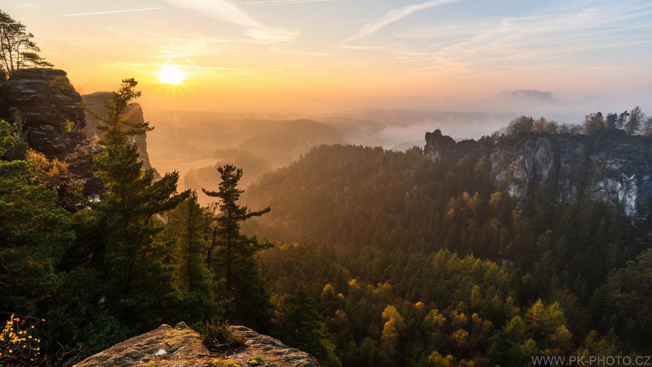 východ slunce v Saském Švýcarsku