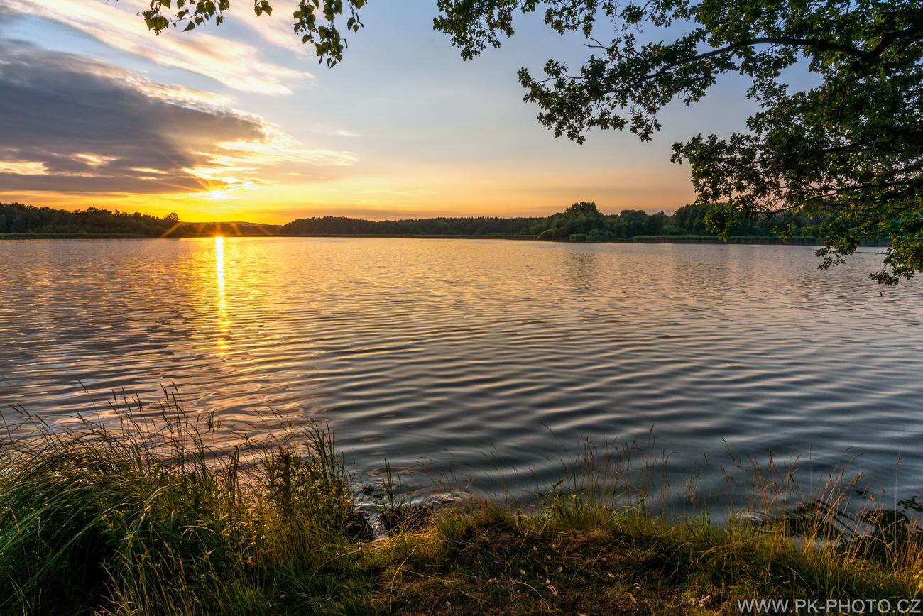 Západ slunce nad Velkým rybníkem